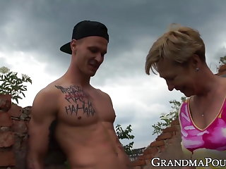 Dogging Horny granny fucked at an abandoned old house
