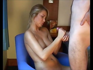 Cheating stunning blond in hotelroom, nice cumshot