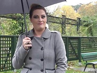 Hardcore Julie BONNE CHIENNE en manque
