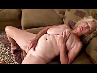 Saggy Tits granny orgasms intense
