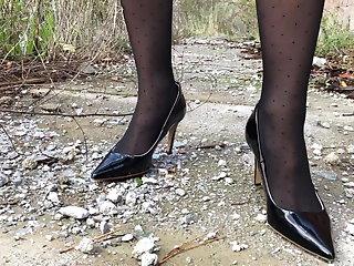 Public Nudity Outdoor MILF in Stockings and Heels