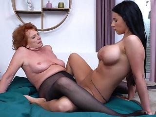 VR Porn Granny teaching hot girl lesbian sex